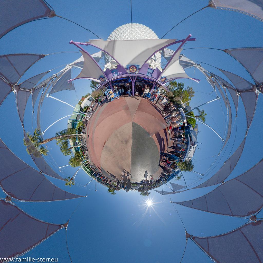 Future World Plaza / EPCOT