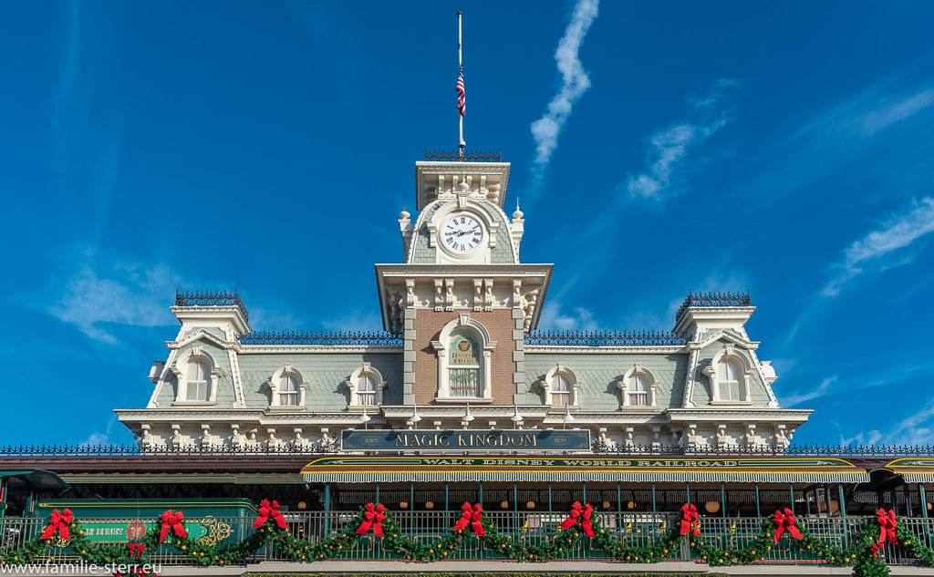 Magic-Kingdom-2018-12-24-55-HDR.jpg